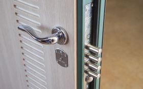 Установка входной двери без профессиональной помощи