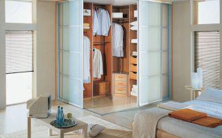 Как выбрать дверь в гардеробную комнату