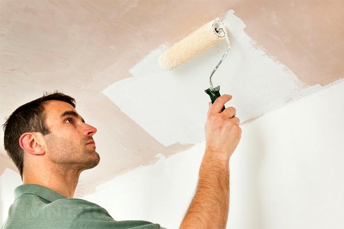 Покраска потолка: пошаговые инструкции выполнения работы