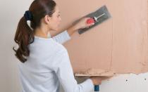 Как зашпаклевать стены своими руками финишной шпаклевкой