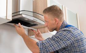 Особенности установки вытяжки на кухне