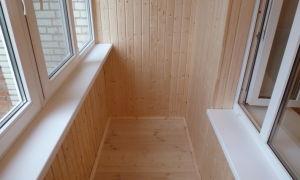 Особенности внутренней отделки балконов и лоджий вагонкой