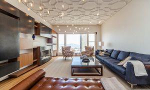 Выбор современного потолка в гостиной при планировании ремонта