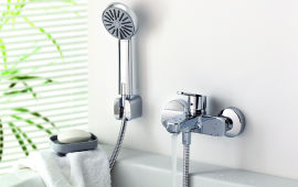 Особенности выбора смесителя для ванной с душем по разным критериям