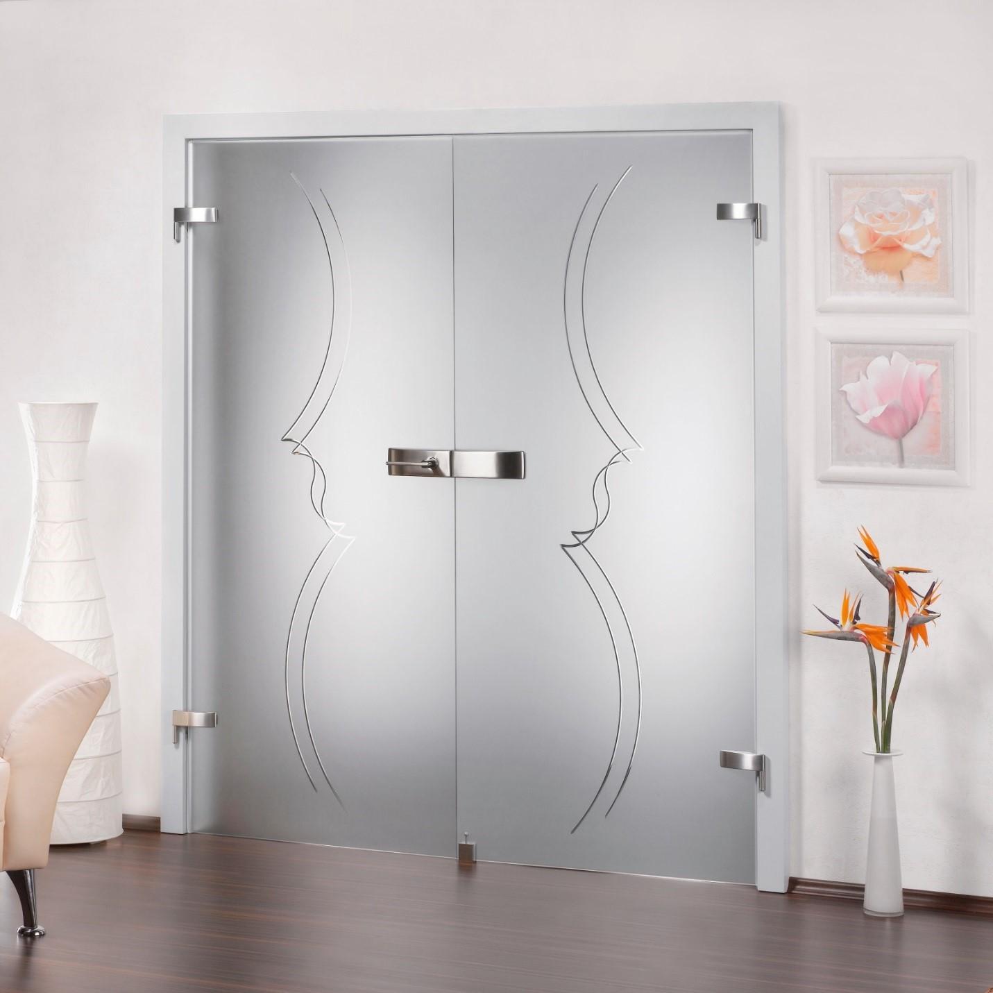 Стеклянные двер