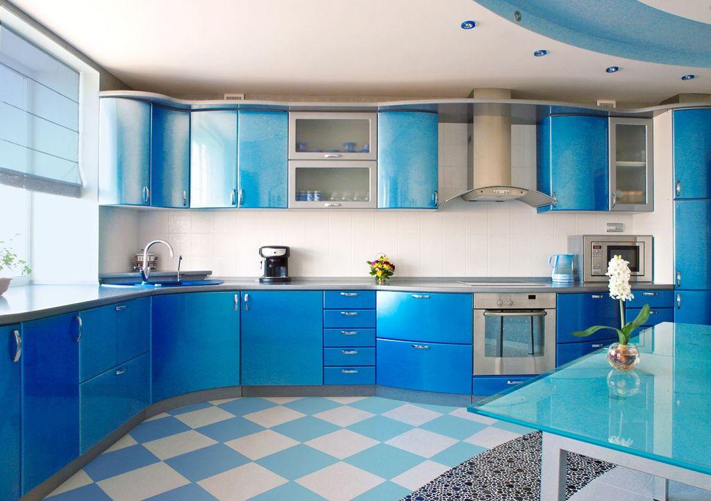 Современная кухня голубого цвета