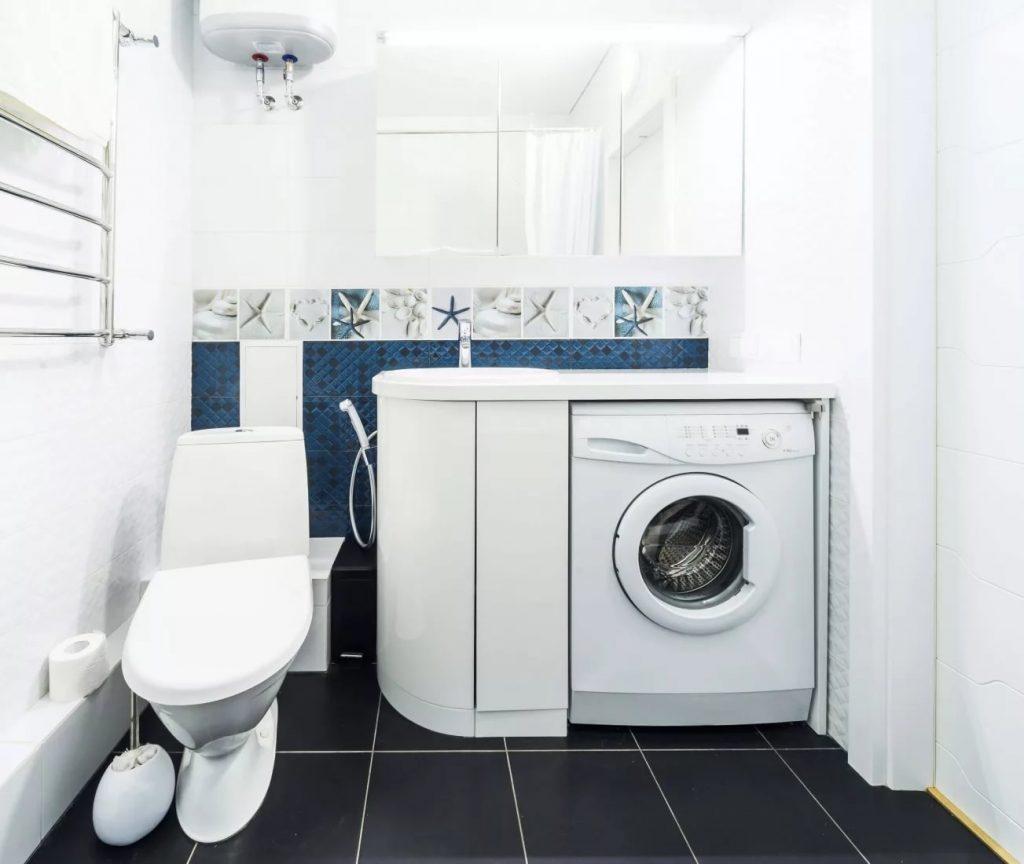 Туалет со стиральной машиной