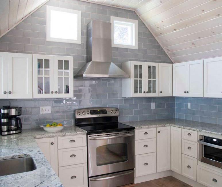 Плитка на стенах кухни