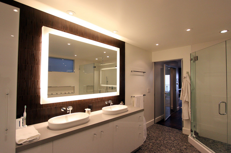 подсветка зеркала в ванне