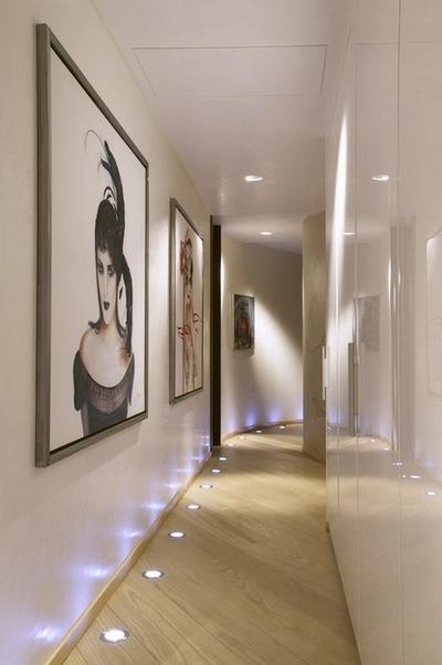 Споты на полу в коридоре
