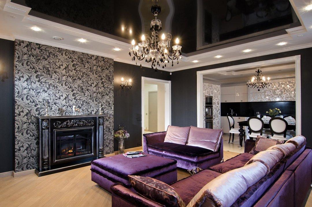 Темный потолок в гостиной