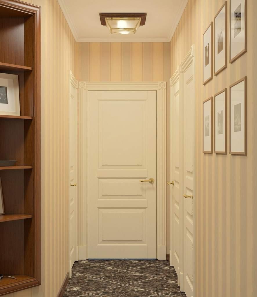 Бумажные обои в коридоре