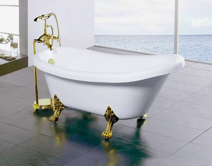 Ванна с напольным смесителем