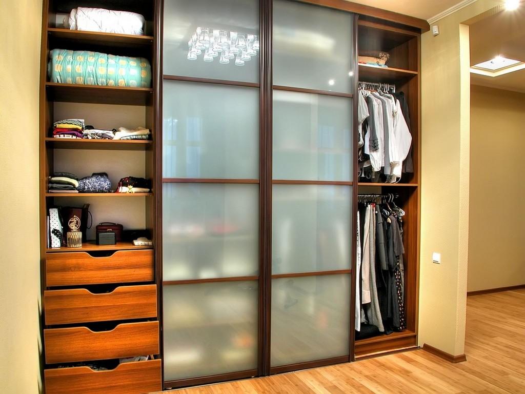 Шкаф-купе для одежды
