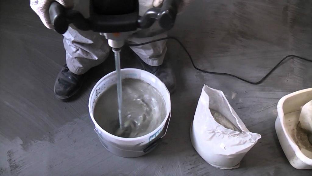 Подготовка смеси для наливного пола