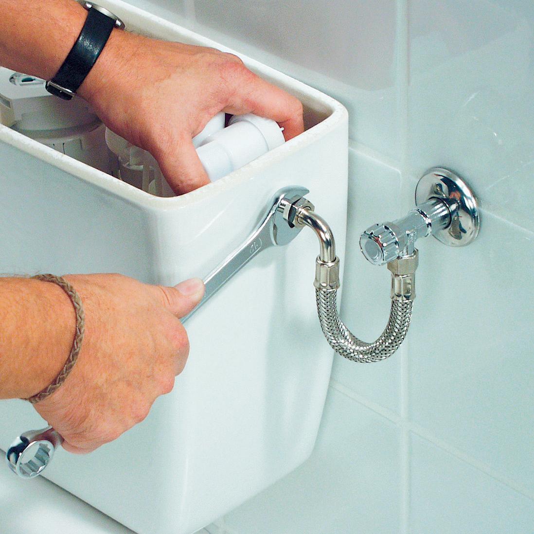 Подключение воды к унитазу