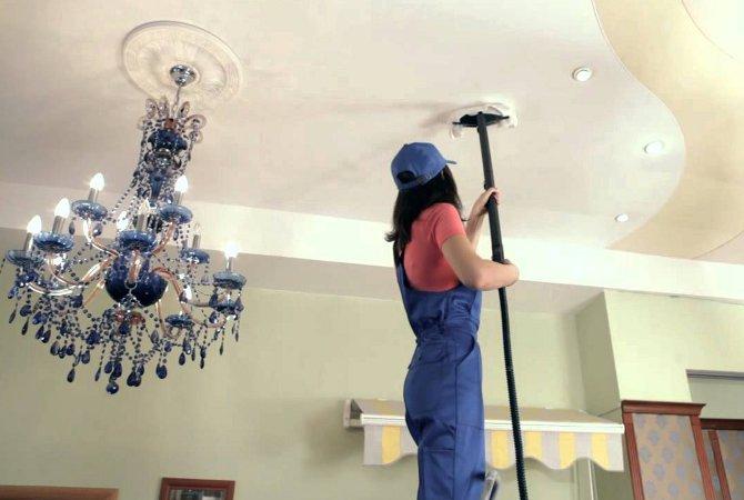 Правила мытья натяжного потолка
