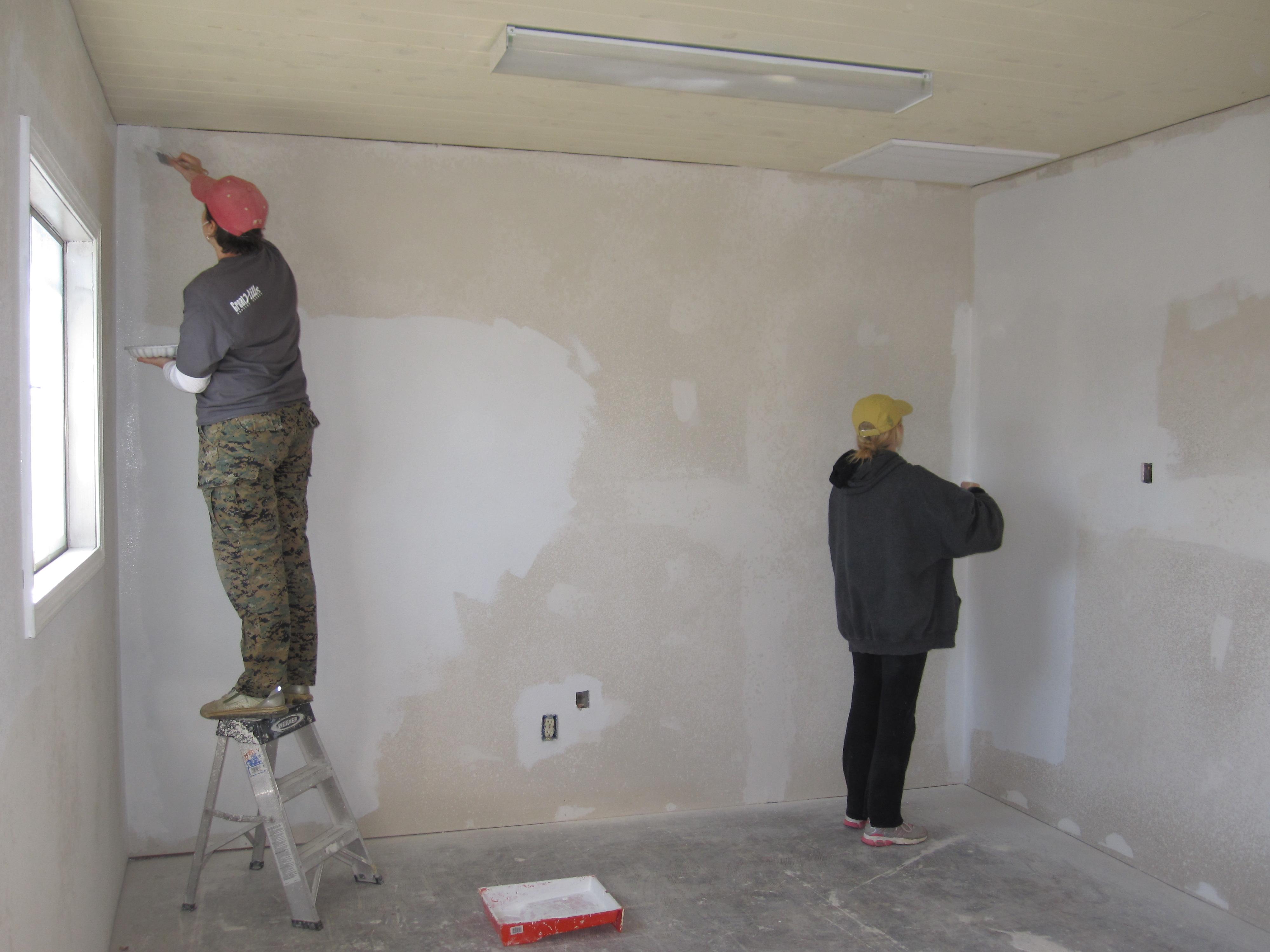 Подготовка стен и потолка