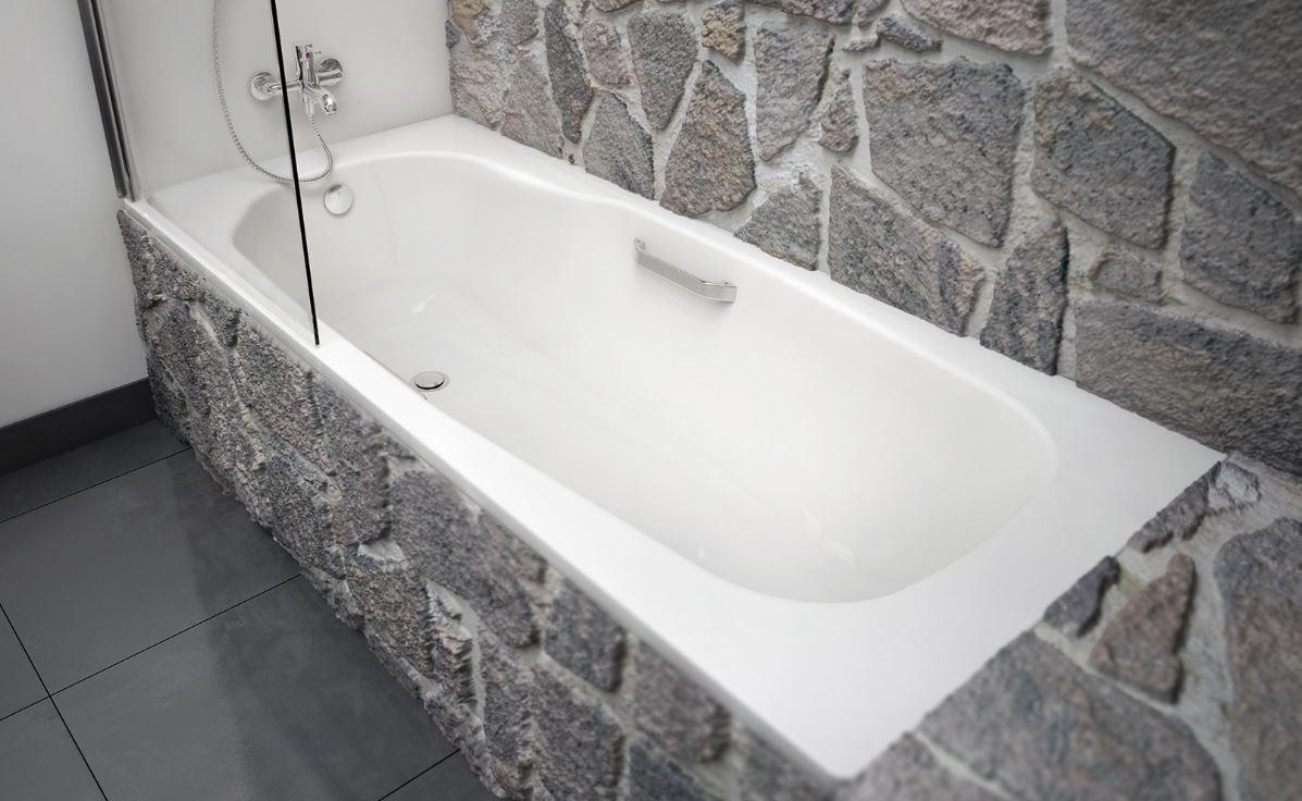 Стальная ванная в интерьере