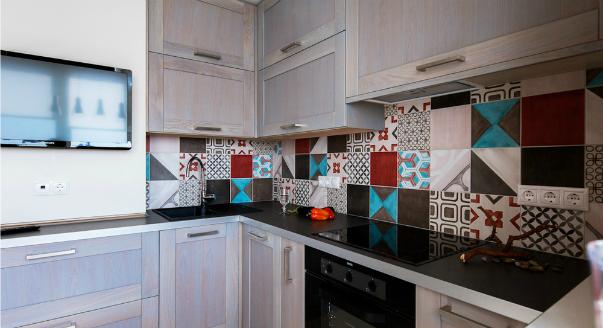 Необычный дизайн фартука для кухни