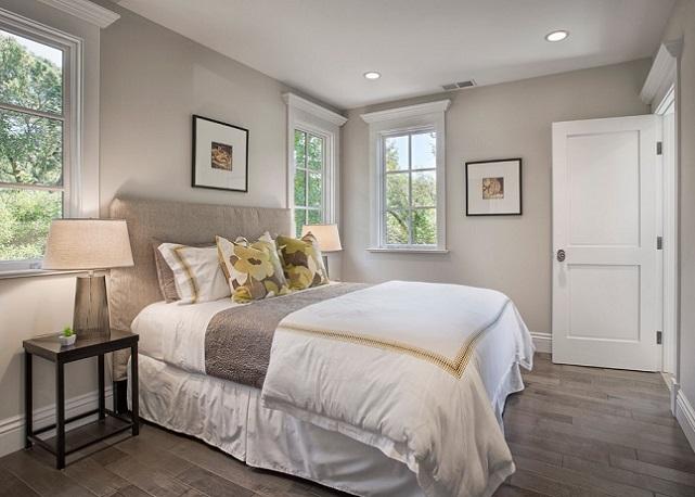 Правильная установка кровати в спальне