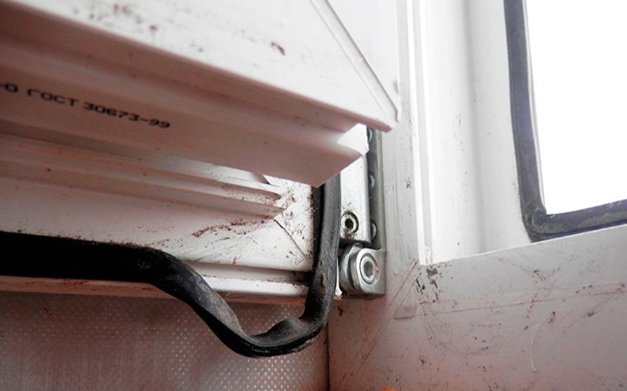 Признаки замены уплотнителя на окнах