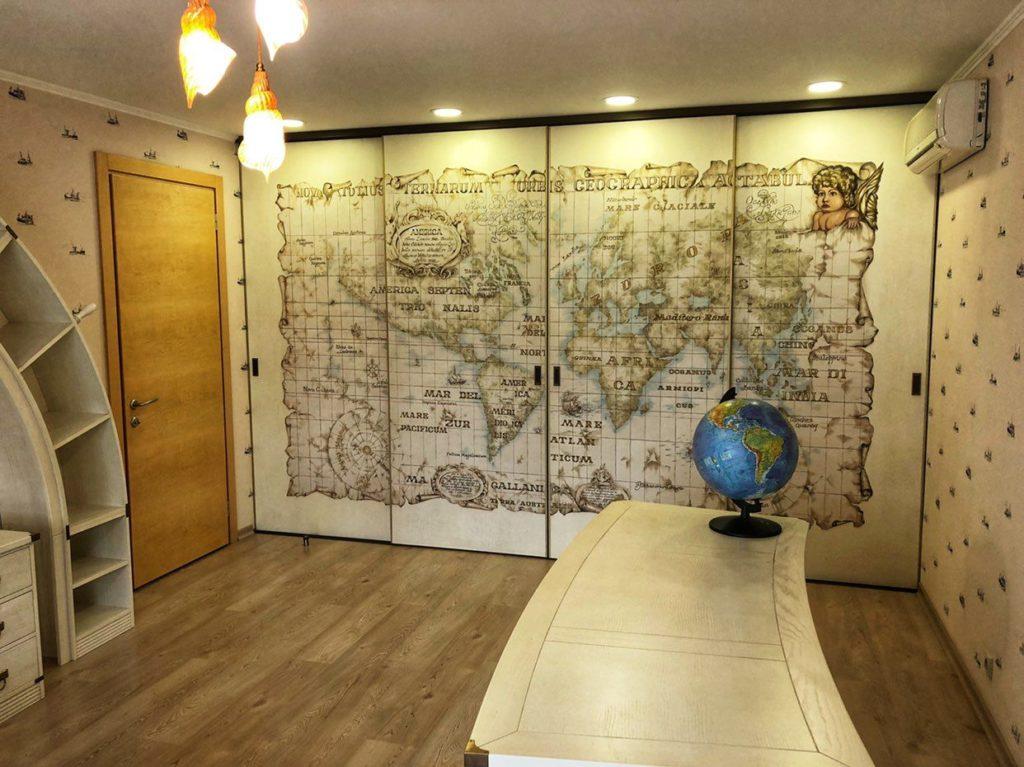Нанесение рисунка на стену в комнате по квадратам